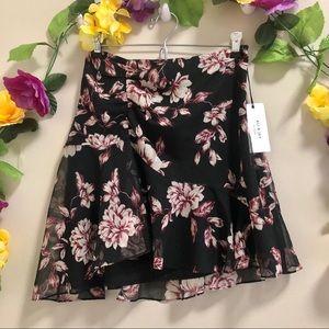 ALI & JAY NWT Floral Layered Skirt
